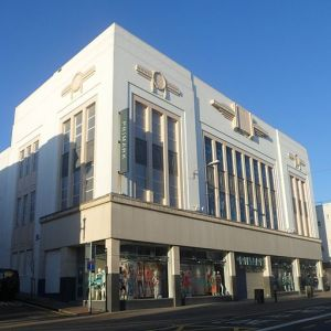 Primark,_169–174_Western_Road,_Brighton_(April_2015)_(2)